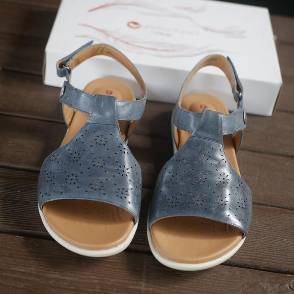 Wide Clarks Sandals Bluegrey Leather